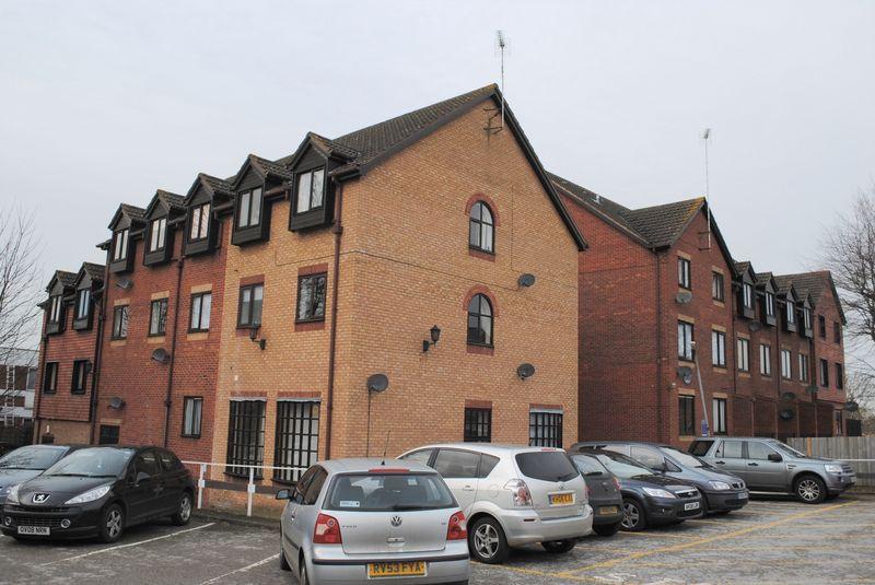 1 Bedroom Flat for sale in Burleigh House, Hamblin Court, Rushden