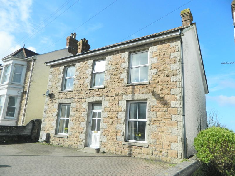 4 Bedrooms Detached House for sale in Mount Ambrose, Redruth