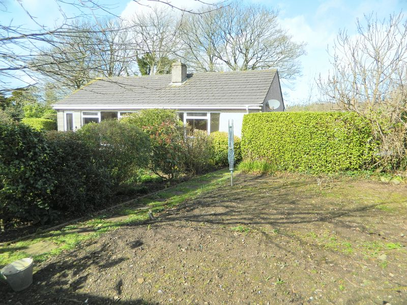 2 Bedrooms Detached Bungalow for sale in Albany Lane, Redruth