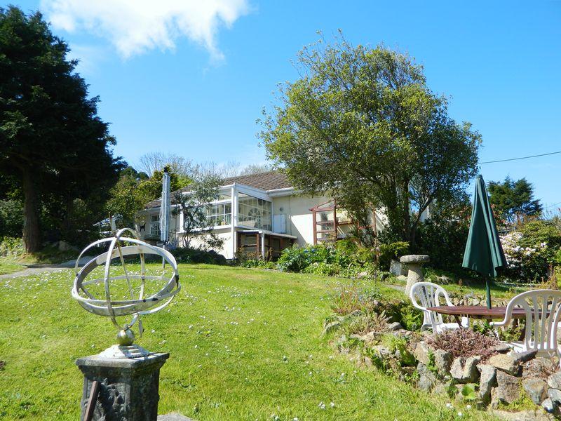3 Bedrooms Detached Bungalow for sale in Brea, Camborne