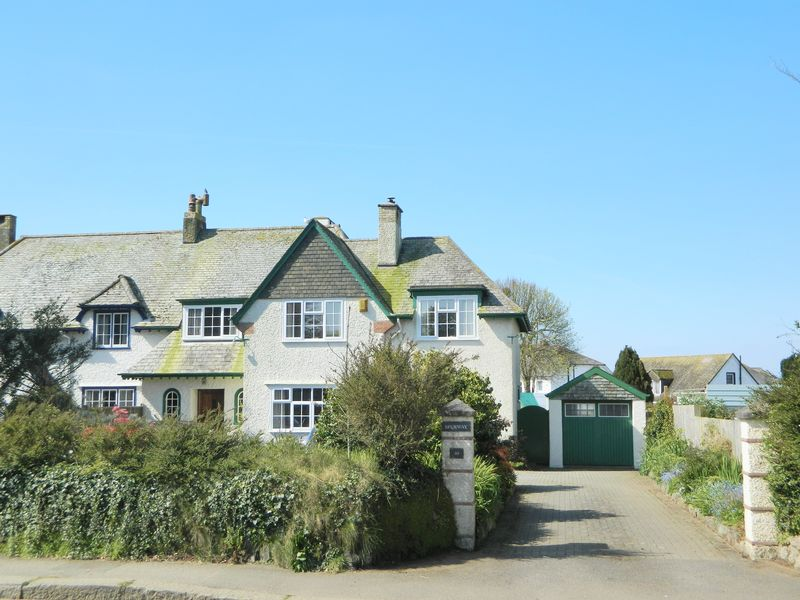 4 Bedrooms House for sale in Pendarves Road, Camborne