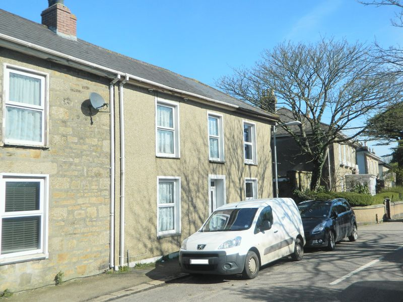 3 Bedrooms Terraced House for sale in Roskear Road, Camborne