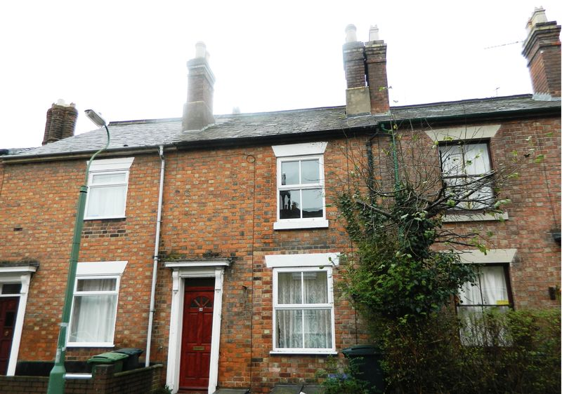 2 Bedrooms Terraced House for sale in 68 North Street, Castlefields, Shrewsbury. Shropshire. SY1 2JL