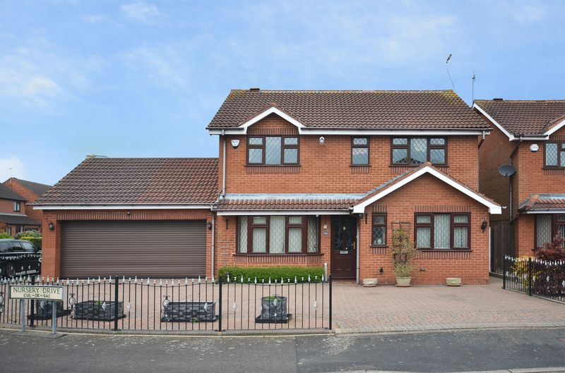 4 Bedrooms Detached House for sale in Nursery Drive, Penkridge, Staffordshire