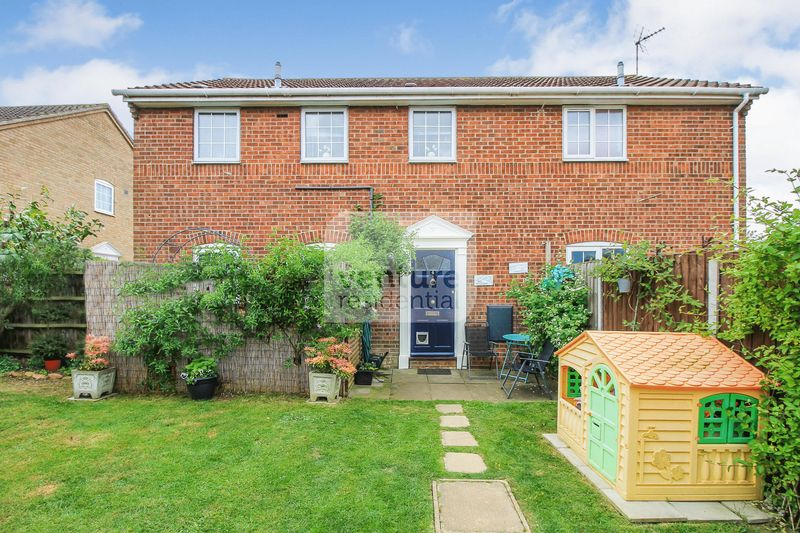 1 Bedroom House for sale in Skua Close, Luton
