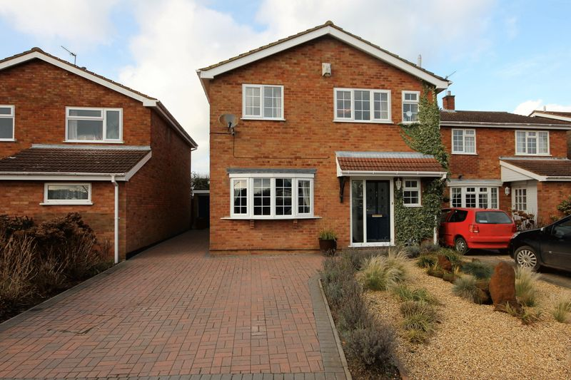 4 Bedrooms Detached House for sale in Crosslands,Caddington