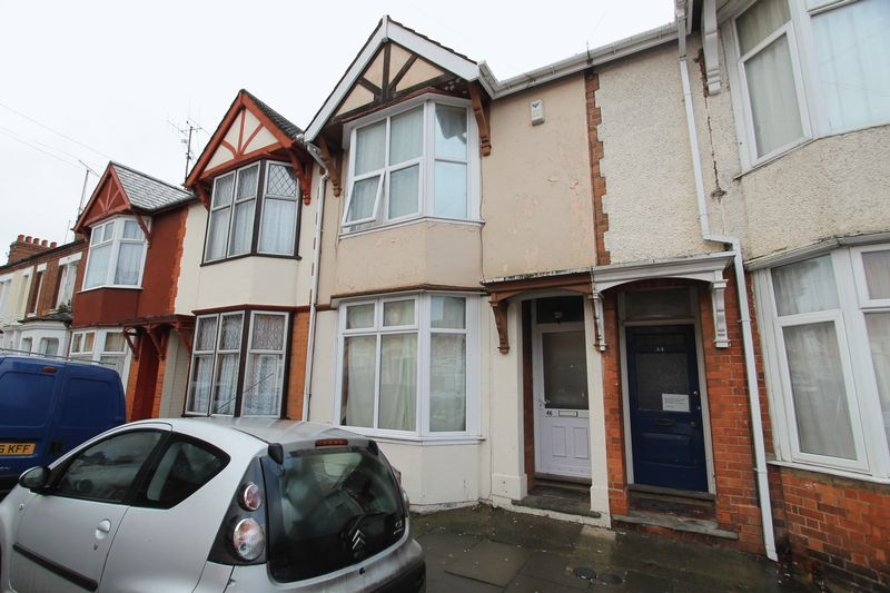 3 Bedrooms Terraced House for sale in Large 4 Storey House - Balmoral Road, Northampton
