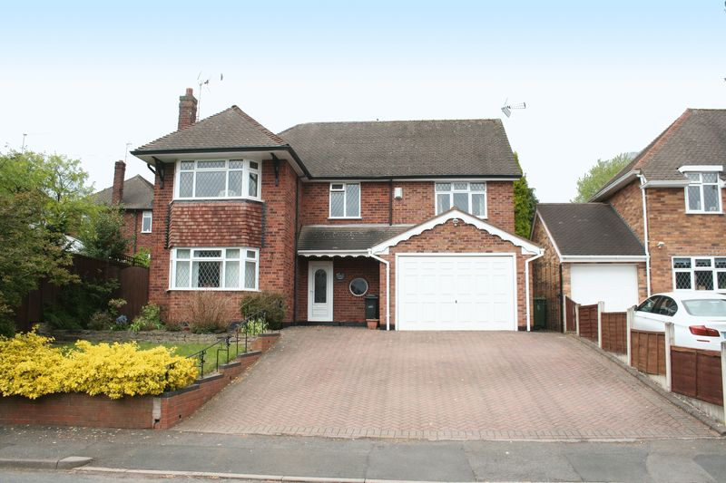 4 Bedrooms Detached House for sale in WALL HEATH, Brookside Way