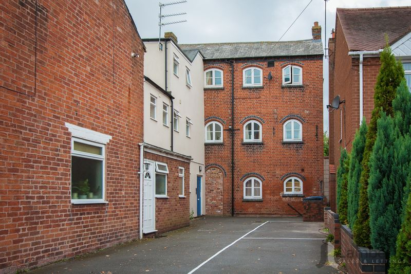 Alcester Road, Studley, B80