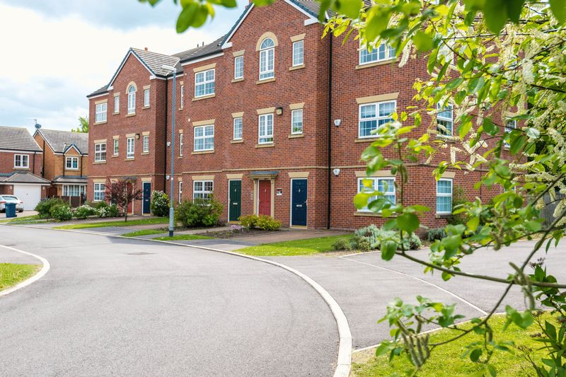 2 Bedrooms Flat for sale in Otterstye View, Scarisbrick
