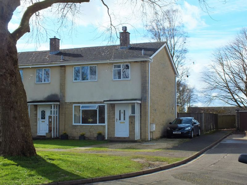 3 Bedrooms Terraced House for sale in St. Giles, Bletchingdon