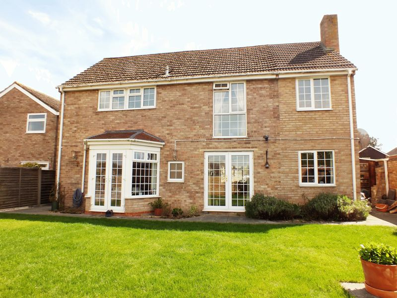 4 Bedrooms Detached House for sale in Benmead Road, Kidlington
