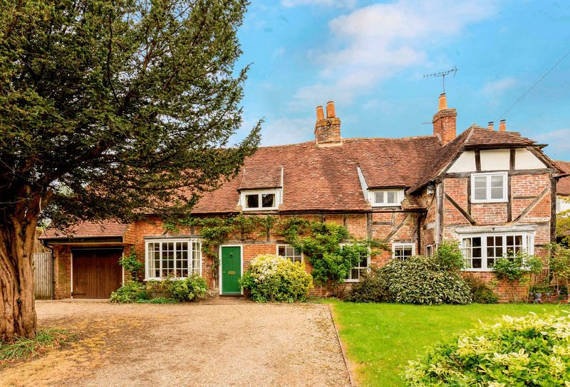 5 Bedrooms Detached House for sale in West Street, Hambledon, Hampshire
