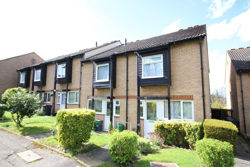 2 Bedrooms Terraced House for sale in Whitmead Close, South Croydon, Surrey