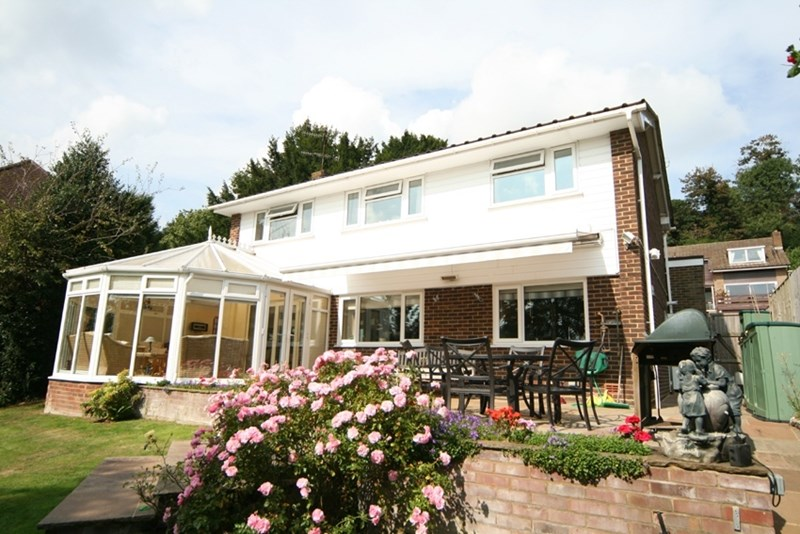 4 Bedrooms Detached House for sale in Hollingsworth Road, Bordering Ballards Farm, Surrey.