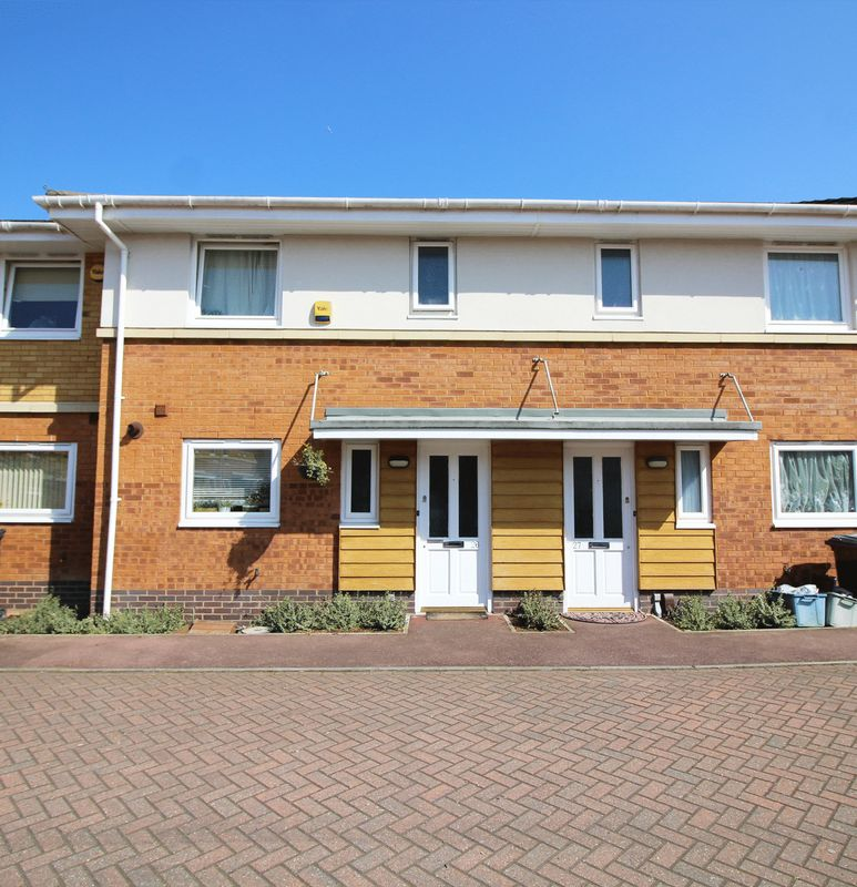 3 Bedrooms Terraced House for sale in Manning Gardens, Croydon, Surrey