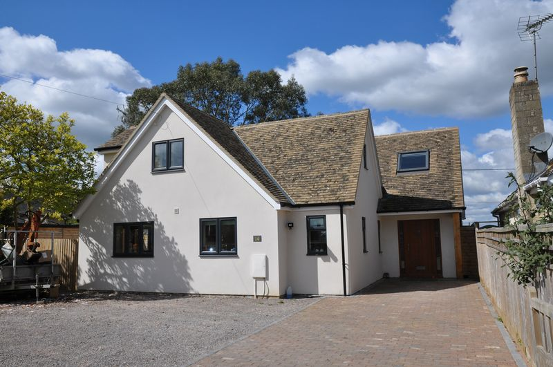 4 Bedrooms Property for sale in Busbys Close, Clanfield