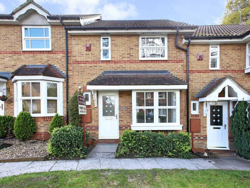 2 Bedrooms Terraced House for sale in Beckford Way, Maidenbower, Crawley, West Sussex