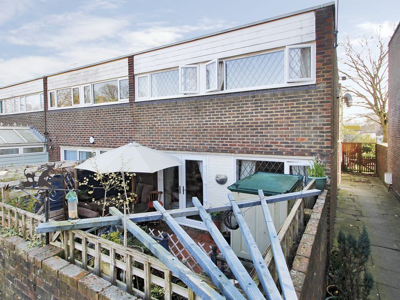2 Bedrooms House for sale in Turnpike Place, Langley Green, Crawley, West Sussex