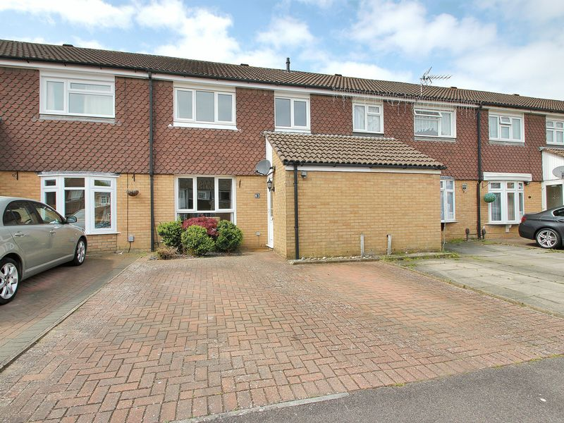 3 Bedrooms Terraced House for sale in Hawkesmoor Road, Bewbush, Crawley, West Sussex