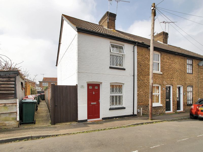 2 Bedrooms House for sale in Alpha Road, West Green, Crawley, West Sussex