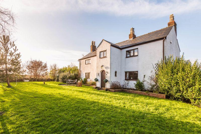 5 Bedrooms Detached House for sale in Drummersdale Lane, Scarisbrick