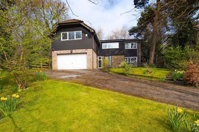 4 Bedrooms Detached House for sale in Thornhill, Aughton