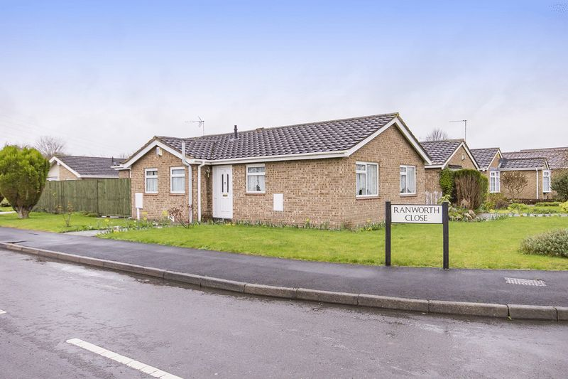 3 Bedrooms Detached Bungalow for sale in RANWORTH CLOSE, SHELTON LOCK