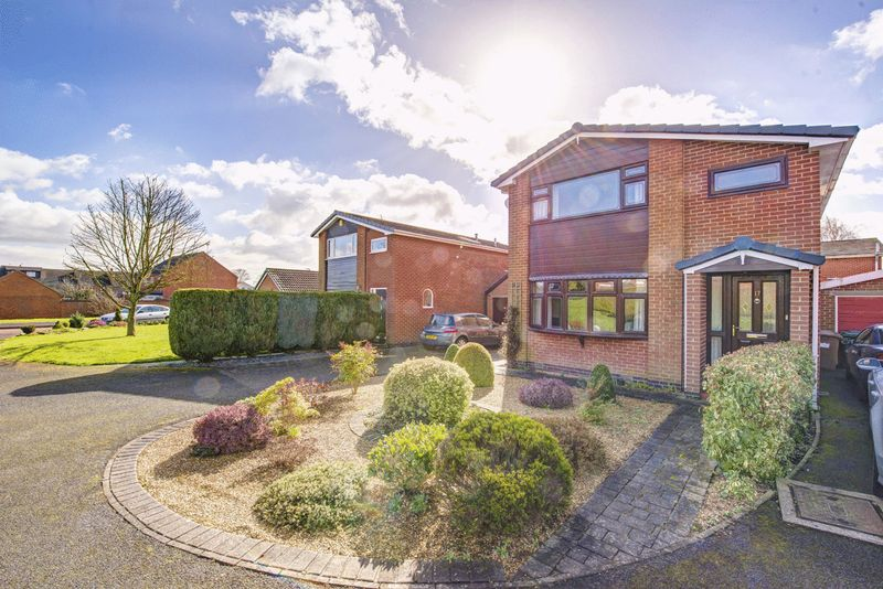 4 Bedrooms Detached House for sale in LONG CROFT, ASTON ON TRENT