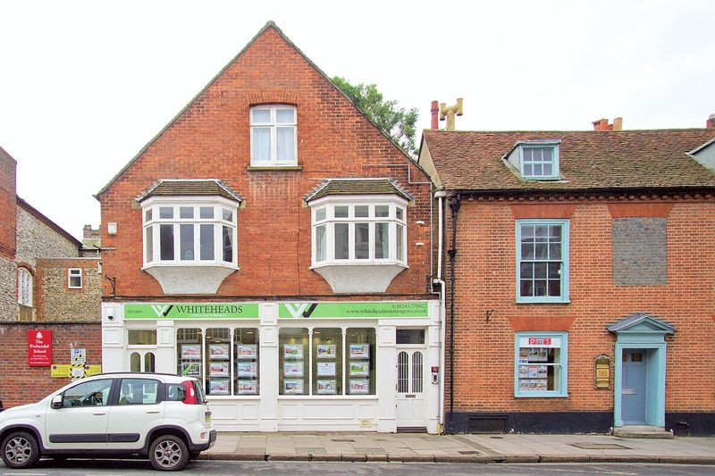 Property for sale in ALL ENQURIES - TO LET - West Street, Chichester, PO19