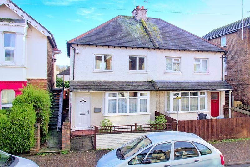3 Bedrooms Semi Detached House for sale in Longford Road, Bognor Regis, PO21