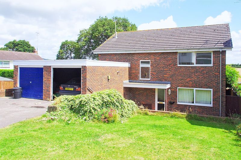 4 Bedrooms Detached House for sale in Maplehurst Road, Chichester PO19
