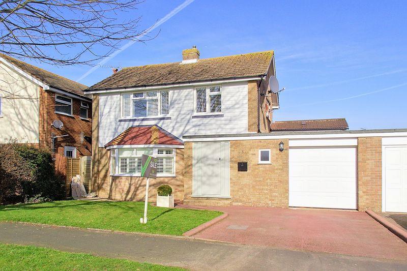 3 Bedrooms Detached House for sale in Blondell Drive, Bognor Regis PO21