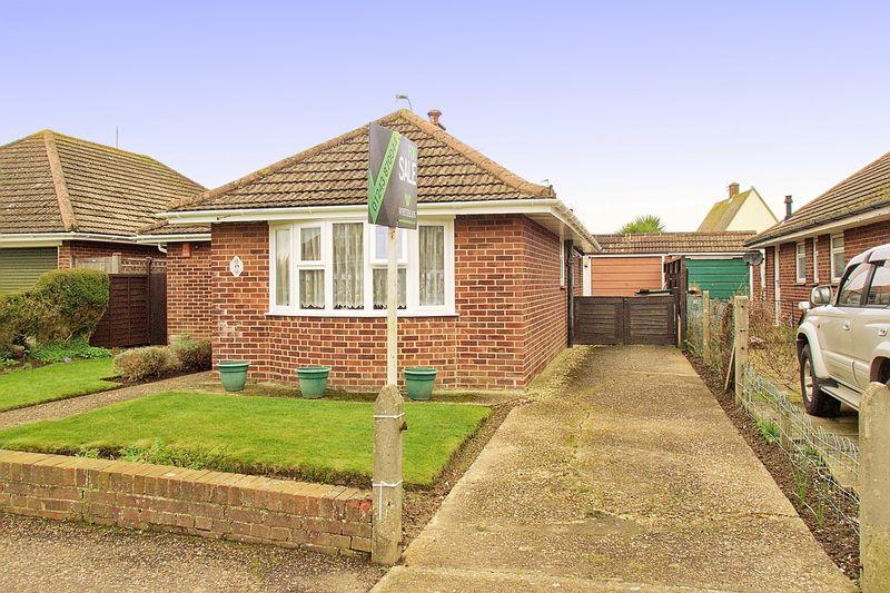 3 Bedrooms Detached Bungalow for sale in Lane End Road, Bognor Regis, PO22