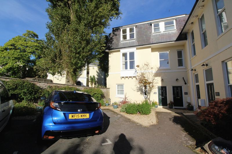 3 Bedrooms Terraced House for sale in Kents Road, Torquay