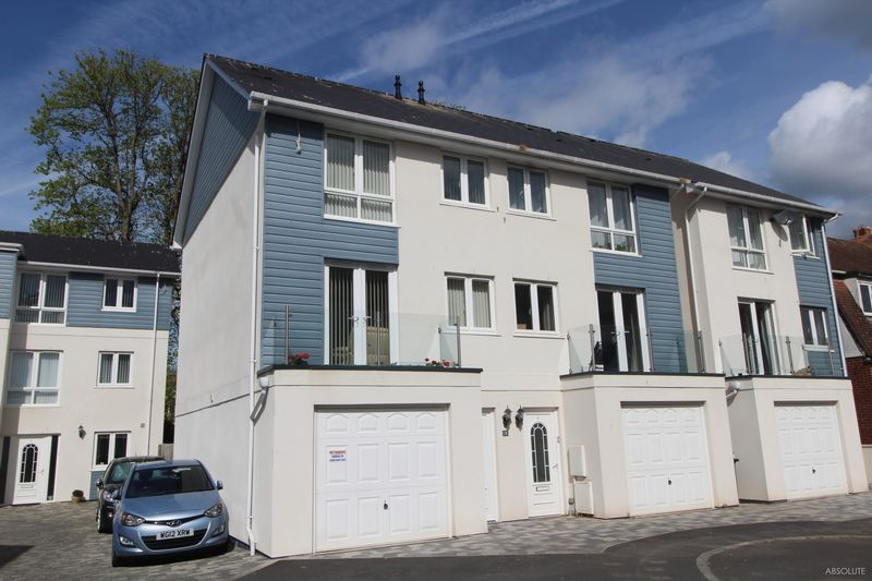 3 Bedrooms Semi Detached House for sale in Warefield Road, Paignton