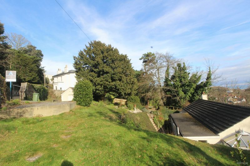 4 Bedrooms Bungalow for sale in Middle Warberry Road, Torquay