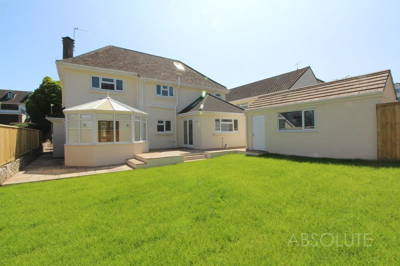 5 Bedrooms Detached House for sale in Barnfield Road, Livermead, Torquay