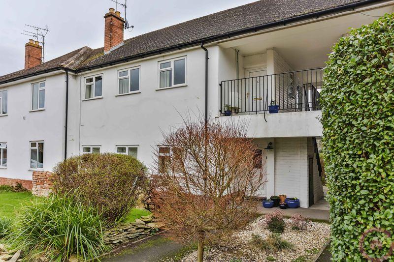 3 Bedrooms Flat for sale in Granley Drive, Cheltenham