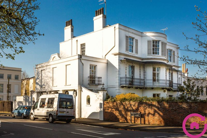3 Bedrooms Flat for sale in Montpellier Spa Road, Cheltenham