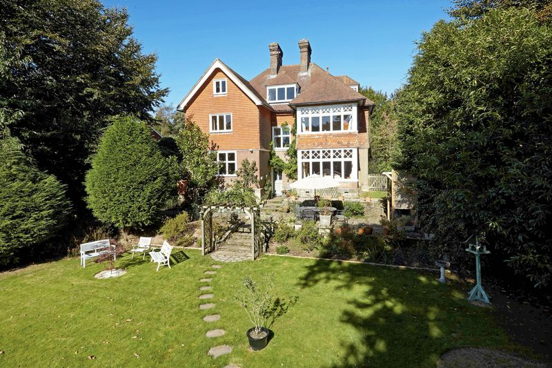 6 Bedrooms Detached House for sale in Southview Road, Crowborough, East Sussex