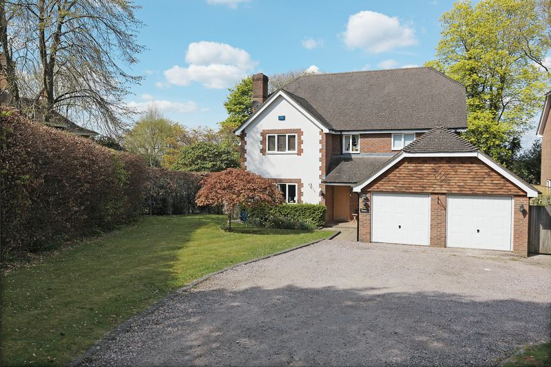 5 Bedrooms Detached House for sale in Old Lane, Crowborough, East Sussex