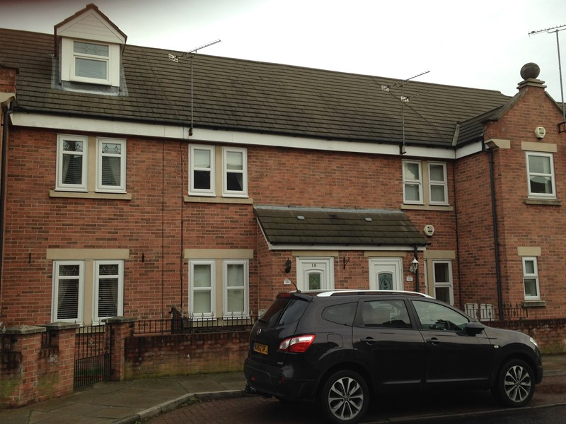 2 Bedrooms Terraced House for sale in Hill Street, Jarrow