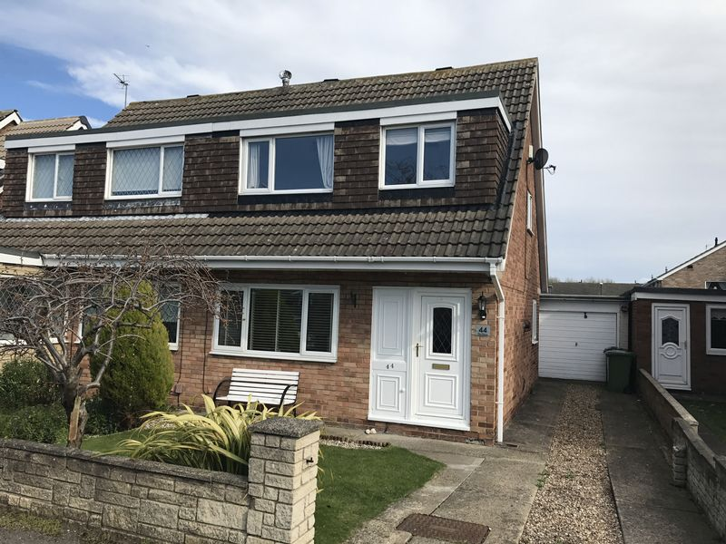 3 Bedrooms Semi Detached House for sale in The Grove, Fellgate Estate