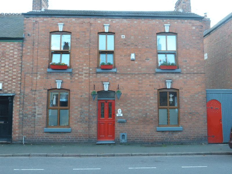 3 Bedrooms Terraced House for sale in High Street, Syston, Leicester