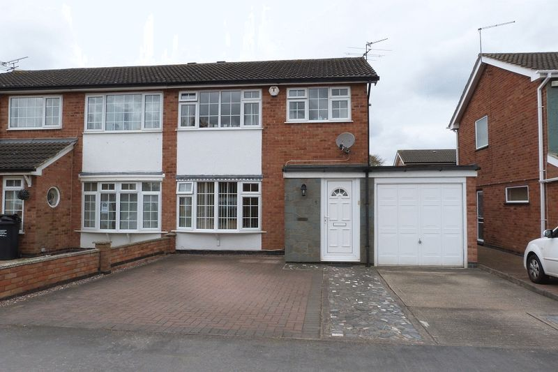 3 Bedrooms Semi Detached House for sale in Pine Drive, Syston