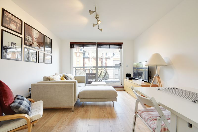 1 Bedroom Flat for sale in Cottrill Gardens , E8