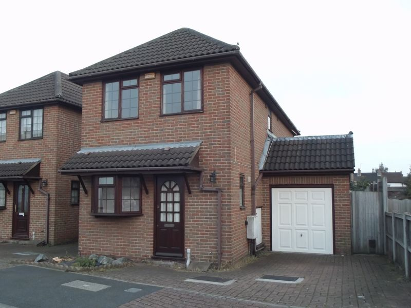 3 Bedrooms Detached House for sale in Mera Drive, Bexleyheath
