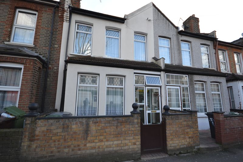 3 Bedrooms Terraced House for sale in Boundary Road, London