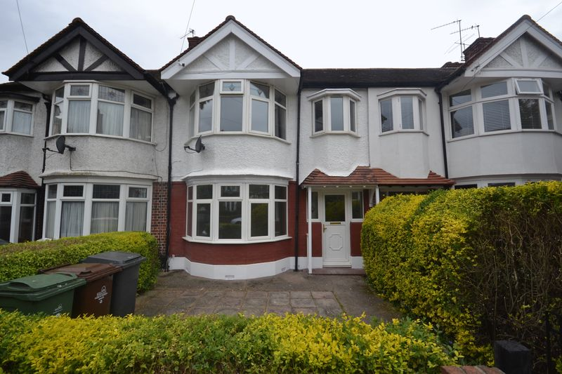 3 Bedrooms Terraced House for sale in Fyfield Road, London